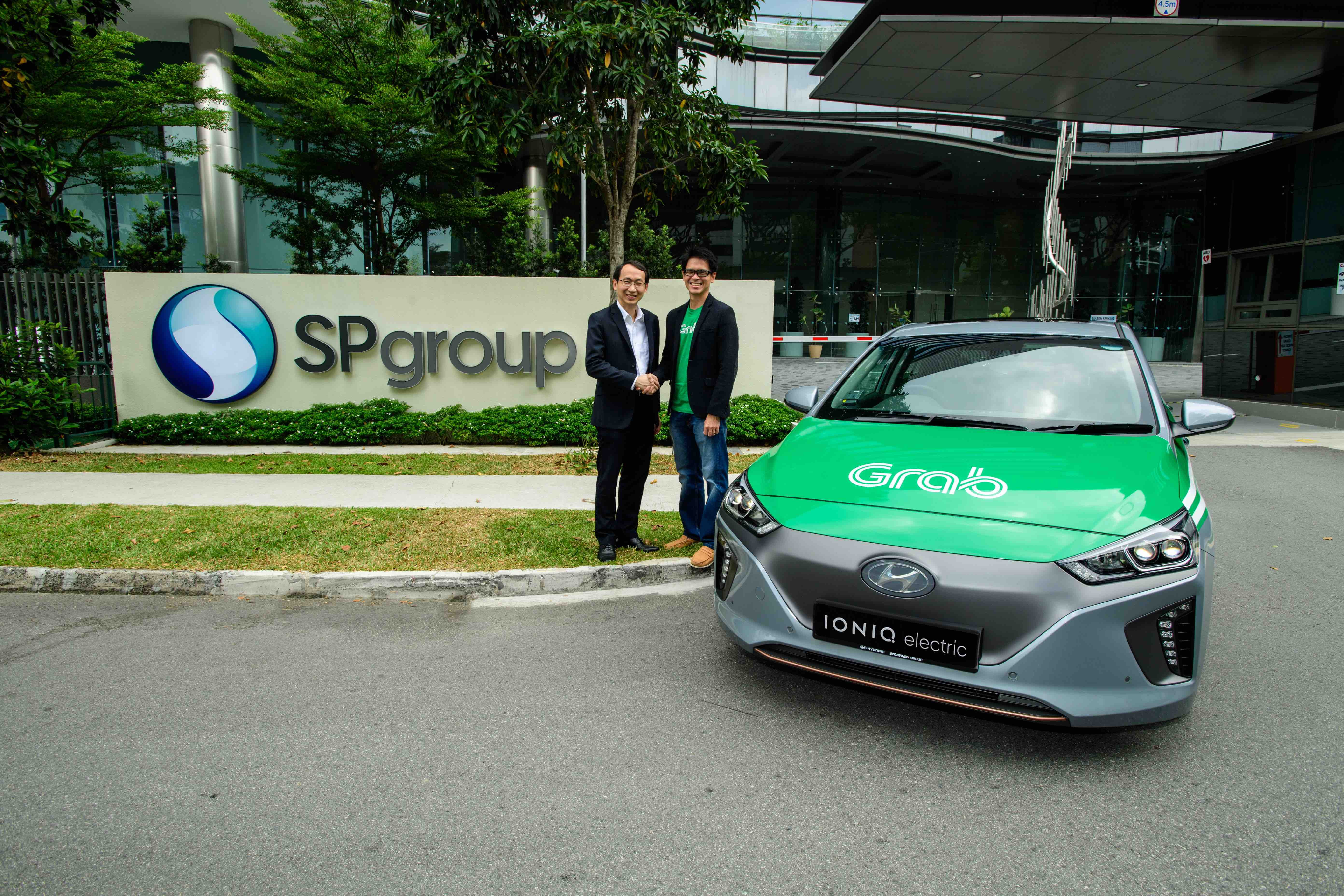 Grab Invests In New Electric Vehicle Fleet Enabled By Sp Group S Fast Charging Dc Network